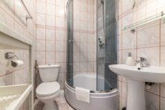 Noclegi nad morzem w Jastrzębia Góra – Namiastka – łazienka